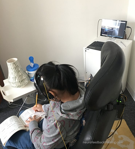 child-during-neurofeedback-session-at-neurofeedback-training-nyc-center