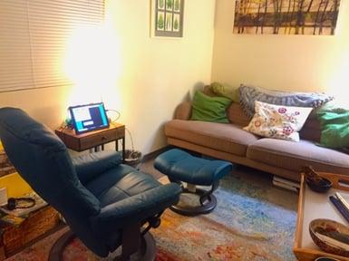 neurofeedback-training-pasadena-office-room-with-neuroptimal-set-up